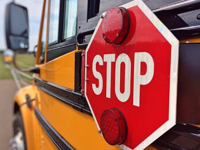 bus-878697_640